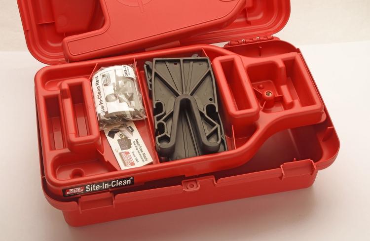 Il cassetto interno serve da rest per la manutenzione, o per il tiro