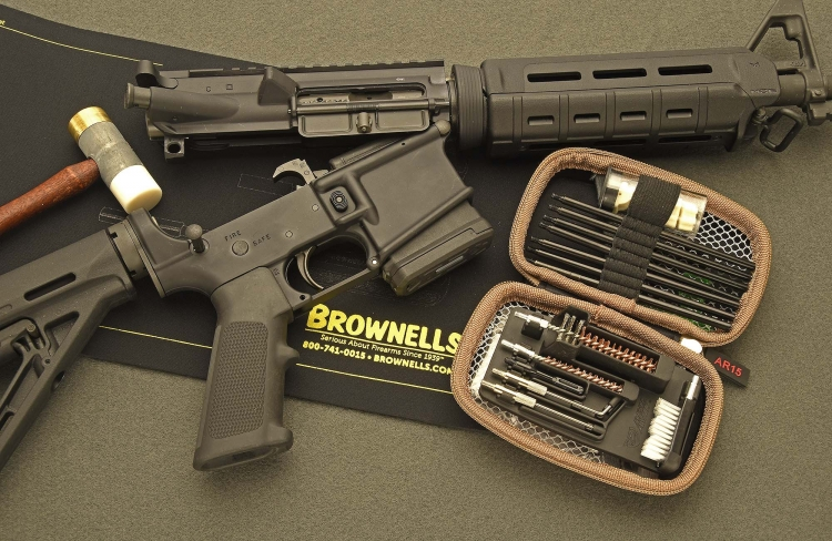 Manufactured by Real Avid and available worldwide through Brownells, this cleaning kit is specifically conceived for AR-15 type rifles and carbines