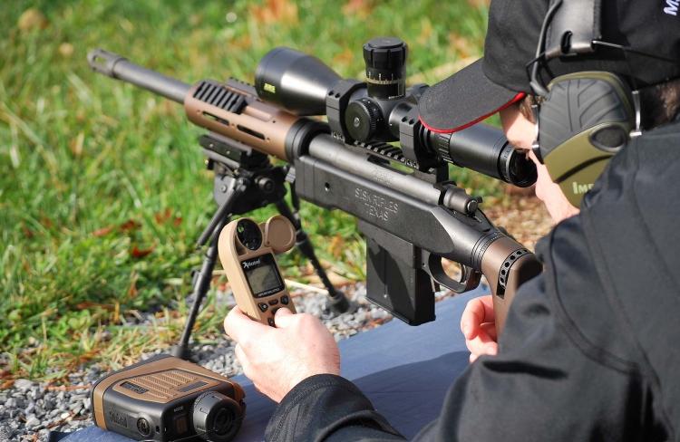 Negli ultimi anni, gli anemometri balistici Kestrel hanno contribuito in maniera significativa a rendere popolare il tiro a lunga distanza anche tra i tiratori non professionali