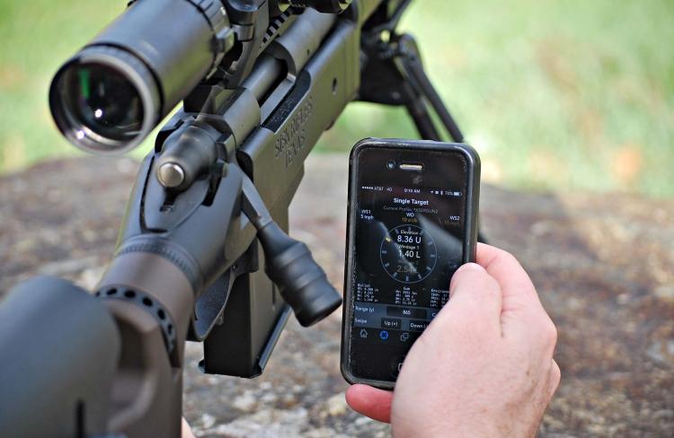 Grazie al sistema wireless Kestrel LiNK®, il vostro anemometro digitale Kestrel può fare tranquillamente il suo lavoro distante da voi mentre lo controllate col vostro Smartphone