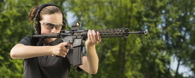 Svanito (si spera!) il rischio di ulteriori restrizioni al possesso e uso di armi sportive e difensive d'impostazione più moderna. Tutto sommato, fatti gli dovuti scongiuri, ci avviamo verso un recepimento positivo della direttiva europea
