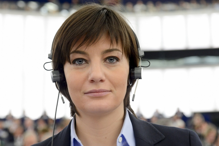Italian MEP Laura Comi spoke enthusiastically about the outcome of the trilogue and the relevant IMCO vote