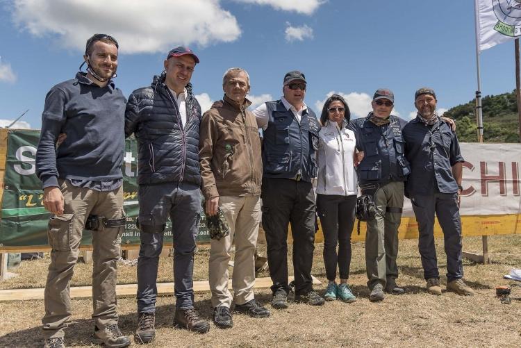 Foto di gruppo per alcuni personaggi chiave: da sinistra, Ugo Pelosi, Francesco Gazzetta, Emanuele Sabatti, Giorgio Pagani, Morena Sibilloni, Riccardo Cassin e Alberto Panza