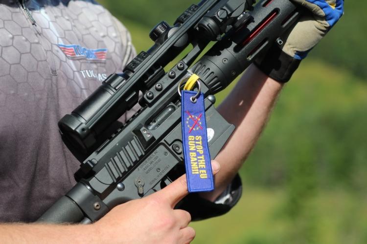L'alto livello d'interesse e sensibilità dei cittadini europei nei confronti di questo tema ha reso la vita molto dura agli anti-armi nell'UE