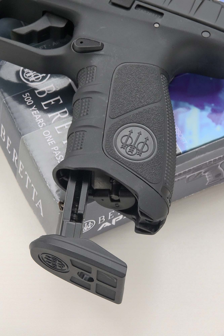 The magazine release catch on the Beretta APX replica is located only on the left side