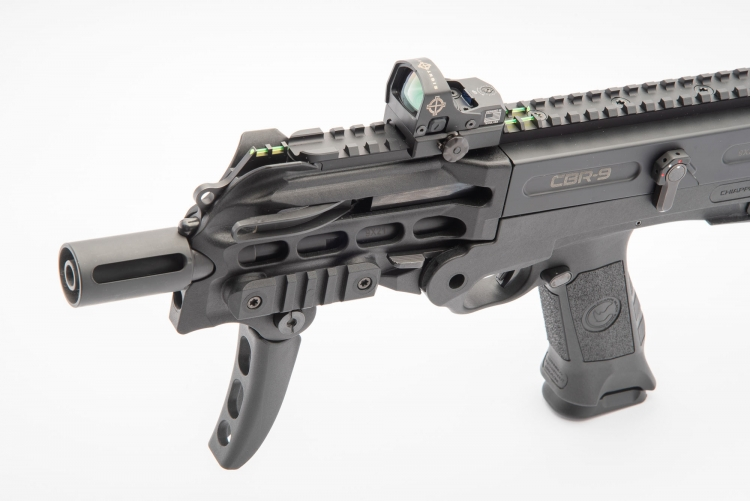 The top rail allows the use of Red Dot sights, like this Sightmark Mini Shot M-Spec