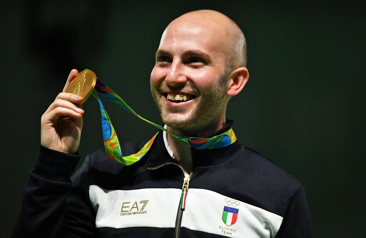 Il nostro Tiro a Segno Nazionale merita di meglio!  (nella foto: il campione Niccolò Campriani, ORO alle recenti Olimpiadi di Rio de Janeiro)