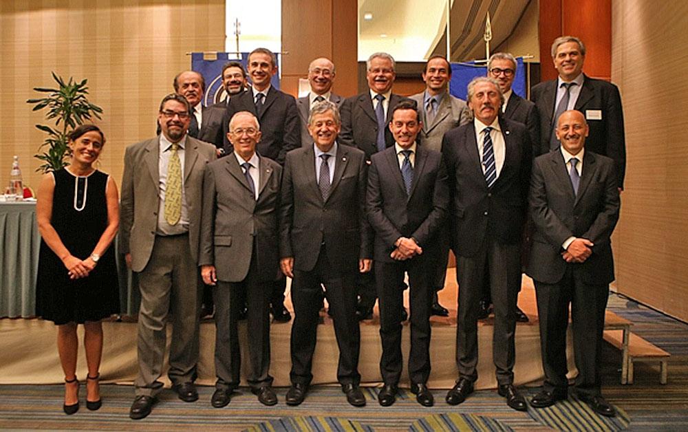 Foto di gruppo del Consiglio Direttivo UITS, eletto lo scorso 22 ottobre 2016, ma mai formalmente ratificato dagli organi preposti