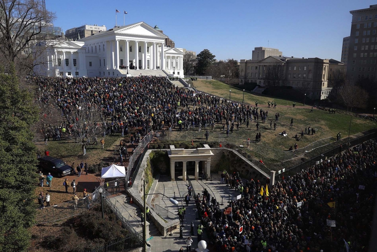 Over 20.000 people protested today in Richmond against the gun control laws brought forward by the Democrat majority at the Virginia State legislature