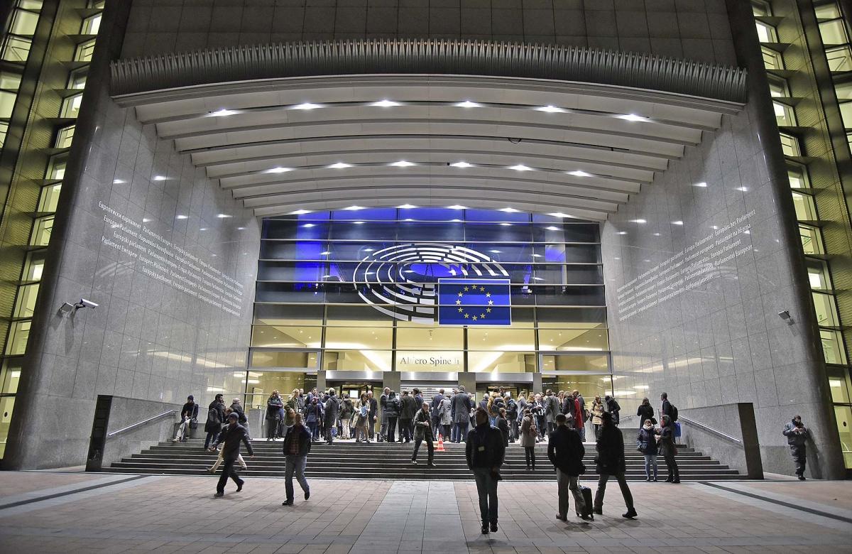 La Commissione Europea ha provocato i legali possessori di armi. Firearms United provoca quindi una reazione interna al Parlamento Europeo, a tutela dei diritti di tutti