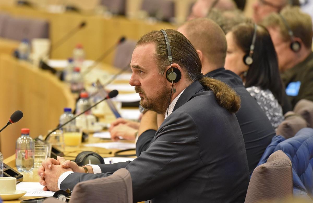 I presenti hanno partecipato attivamente con domande molto chiare e mirate, obiettando alle proposte restrittive della Commissione Europea