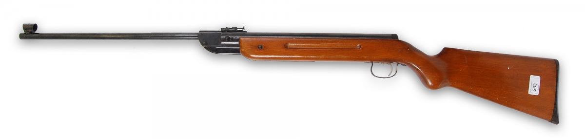 Carabina ad aria compressa Diana 35 calibro 4.5mm: negli anni settanta era popolarissima in Italia