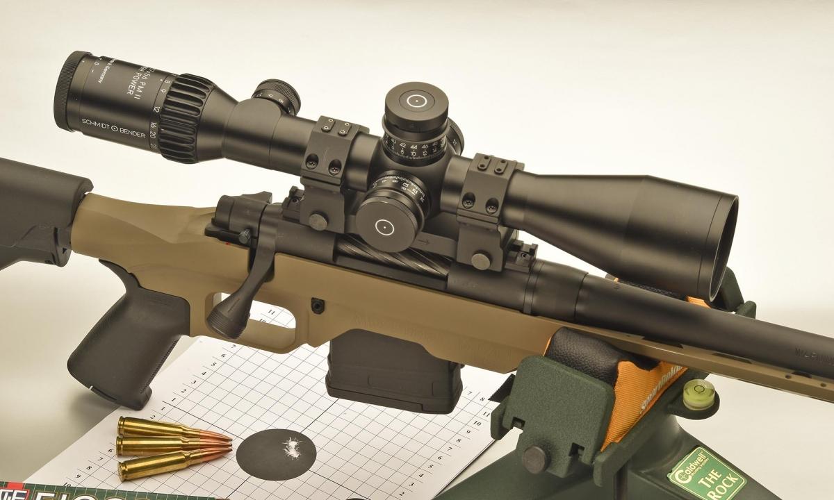 Assieme all'arma, la munizione e ovviamente il tiratore, l'ottica svolge un ruolo primario nel tiro di precisione. Per ottenere prestazioni di livello non si gioca, e la qualità si paga.
