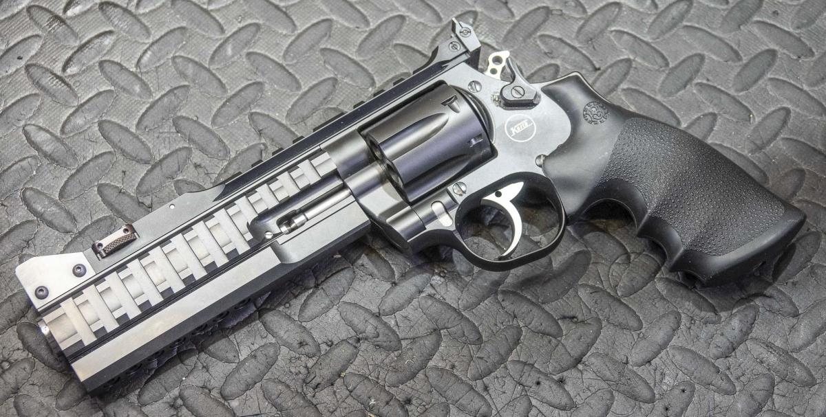 L'armeria Shooter Store è in grado di intervenire anche su armi particolari, come i revolver Korth