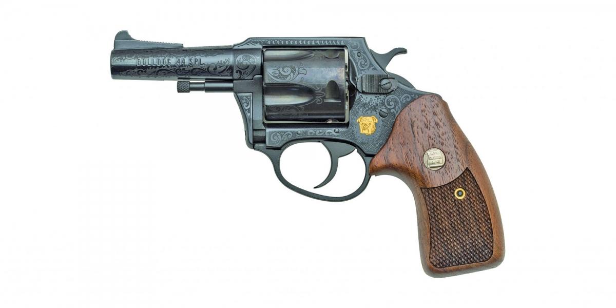 Una versione commemorativa del Charter Arms Bulldog  in calibro .44 Special, con il design originale che aveva quando fu presentato nel 1973.