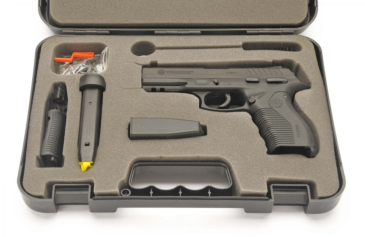 View of the pistol case and accessories