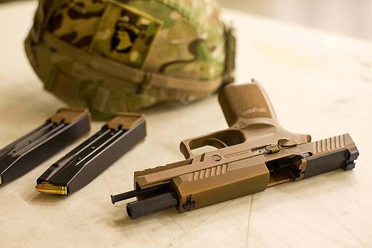 U.S. Army Fields SIG SAUER M17/M18 Pistols