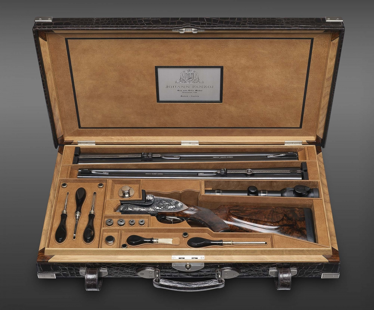 """Fanzoj """"The Great Migration"""" Express Rifle: the case with accessories and the interchangeable barrels"""