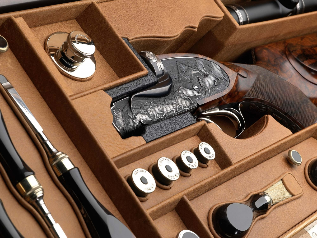 """Fanzoj """"The Great Migration"""" Express Rifle: detail of the precious case"""