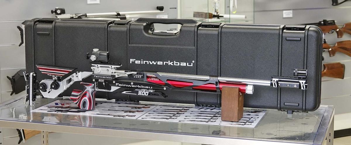 La carabina Feinwerkbau 800 X con la sua valigetta dedicata
