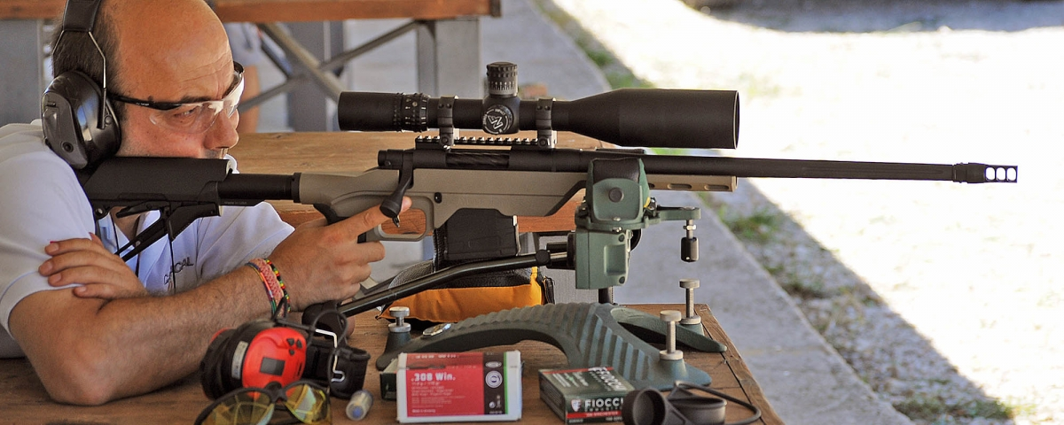 The Mossberg MVP LC rifle is a very good option for anyone willing to try long range shooting without spending a lot of money: in proportion, the riflescope will cost more than the rifle itself
