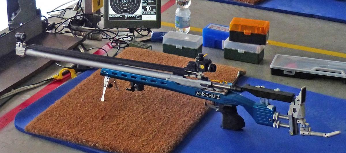 La carabina di Riccardo Ranzani preparata per il tiro a 300 metri, montando un'azione e canna Sabatti Tactical su un fusto Anschütz Precise in Ergal