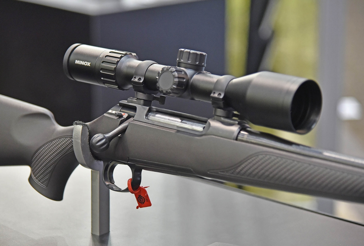 The HEXLOCK system allows the installation of any optical sight on the Sauer 100 Classic XT rifle