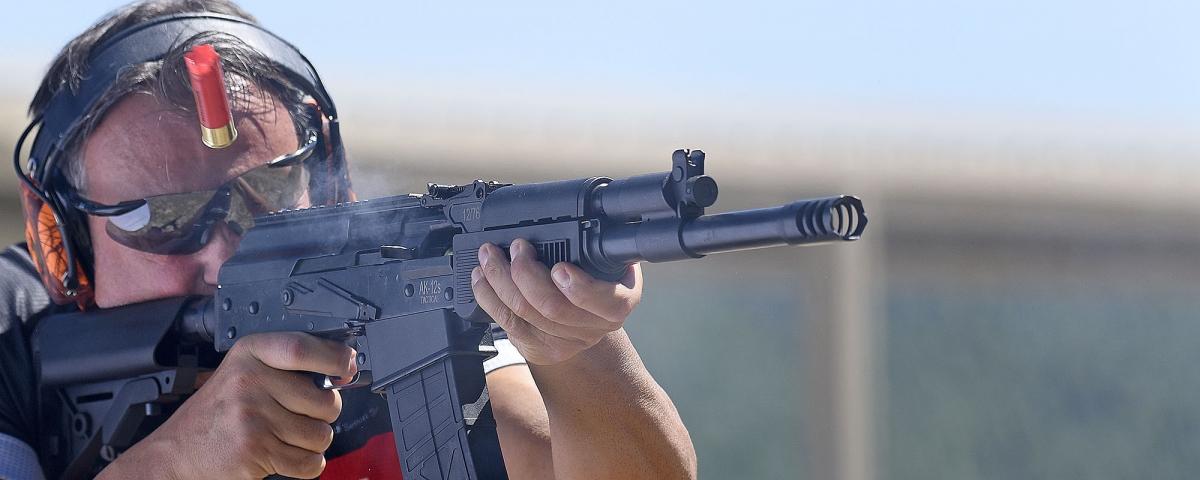 Un fucile calibro 12 massiccio ed impressionante, ma gestibile e semplice nell'impiego