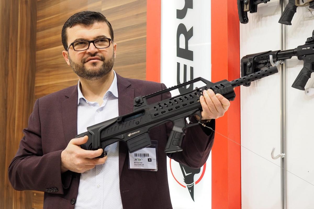 Mehmet Çeler of Derya Arms shown us the Napoli N-100 shotgun at IWA