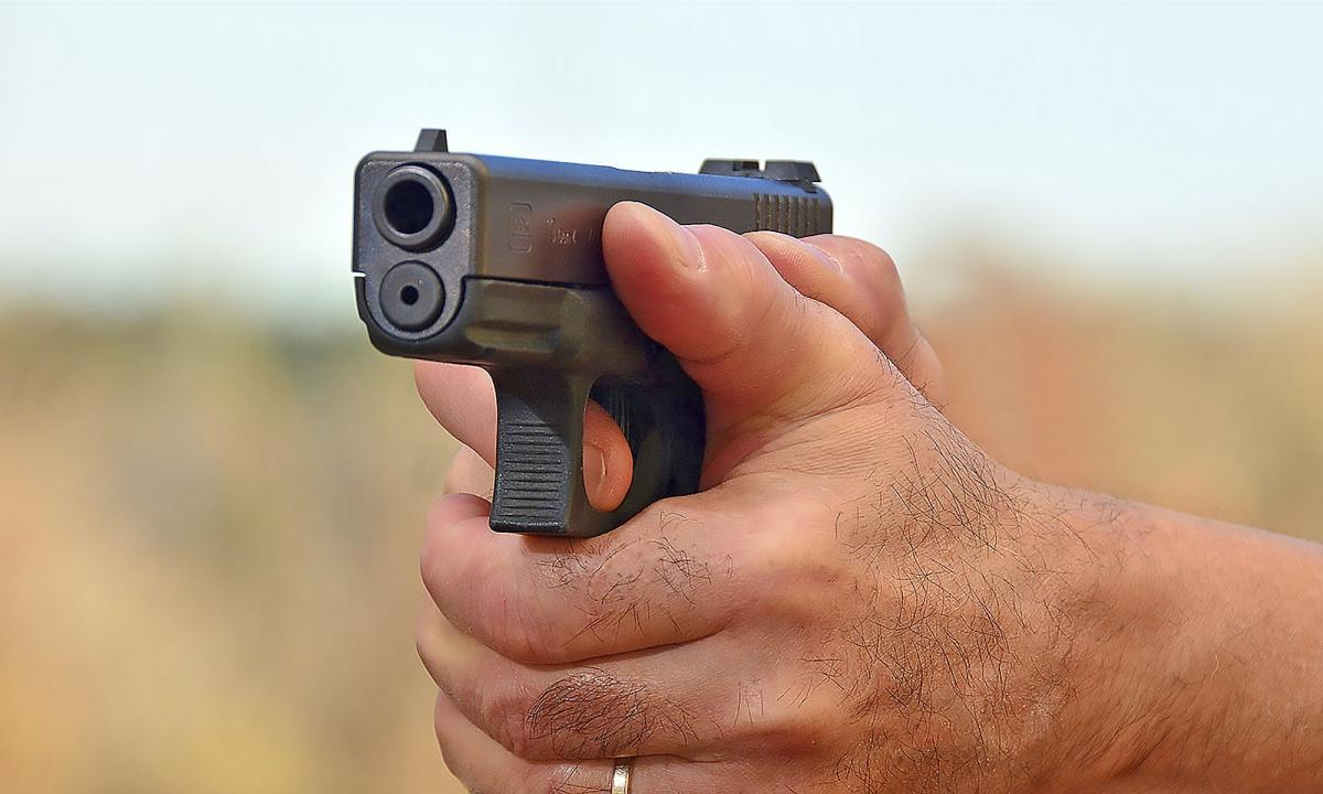 Tecnica: le impugnature errate con la pistola semiautomatica