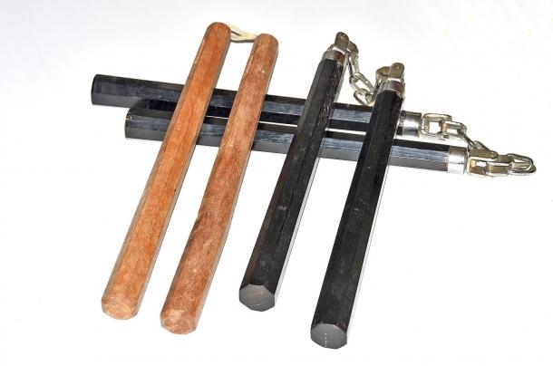 I nunchaku sono spettacolari, ma più del Tonfa richiedono un addestramenti intensivo e dovrebbero essere utilizzati solo da veri esperti
