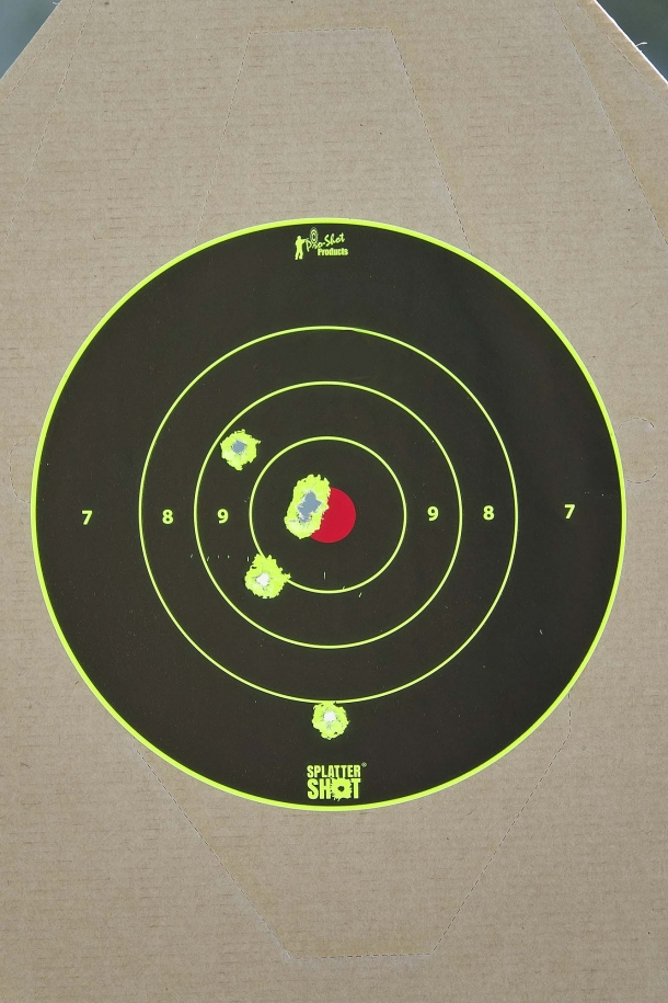 Despite the aiming difficulties with the open iron sights of the Glock, at 10 meters you can anyway reach some results