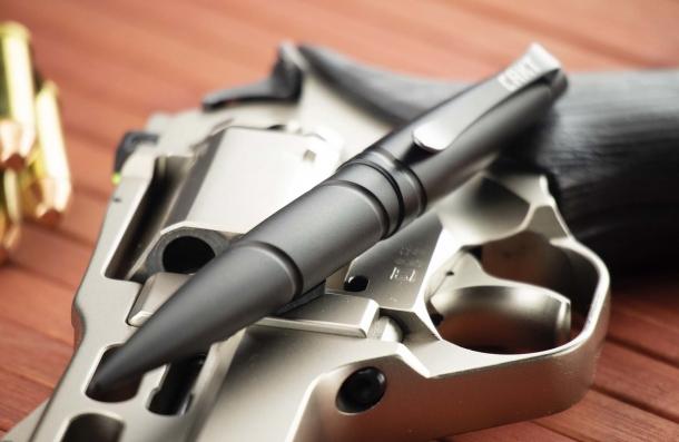 CRKT Williams Defense Tactical Pen 2