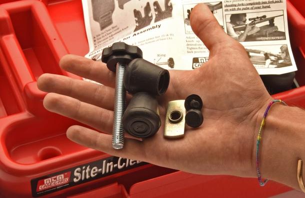 Il cassetto contiene gli accessori per montare il rest