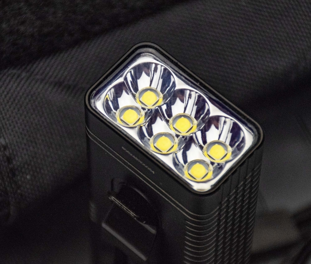 6 CREE XPH35 HD leds, in 2 rows