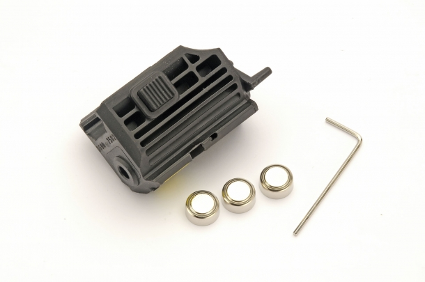 TAC Laser I funziona con tre batterie LR44