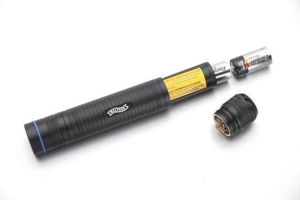 ...consente di usare intercambiabilmente tre diversi tipi di batteria