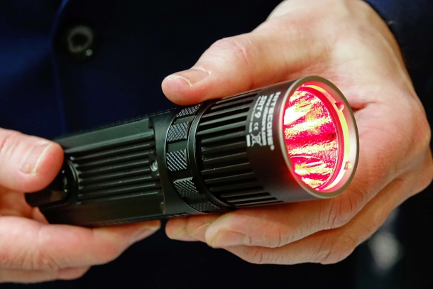 The Nitecore SRT9 red filter