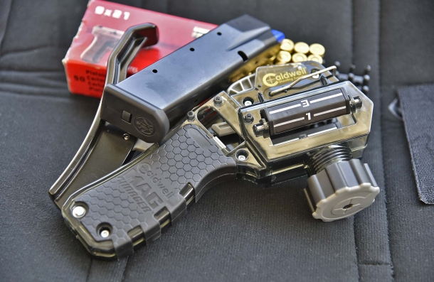 The Caldwell Mag Charger Universal Pistol Loader is conceived for single-stack and double-stack handgun magazines