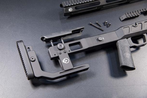 """Rome """"Lorica"""": lo chassis per trasformare la carabina CZ 457 in una mini-Victrix"""