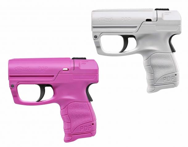 Oltre a quella nera e rossa, la Walther PDP è disponibile anche nei colori rosa e bianco