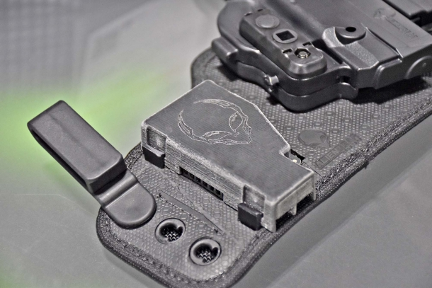 Alien Gear Holsters: le fondine ShapeShift con ventilatore incorporato