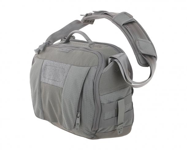 The MaxpeditionSKYRIDGE messenger bag