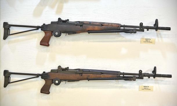 Le armi demilitarizzate non possono essere riconvertite al funzionamento a raffica!