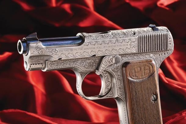 Le pistole Beretta incise