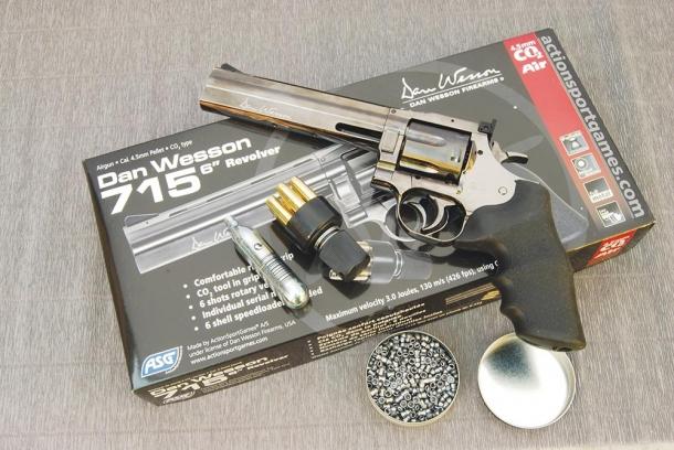 """ASG Dan Wesson 715 6"""" calibro 4,5 mm"""