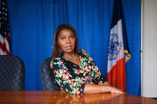 Letitia James, Procuratore Generale dello Stato di New York eletta con i democratici, ha annunciato la causa lo scorso giovedì 6 agosto