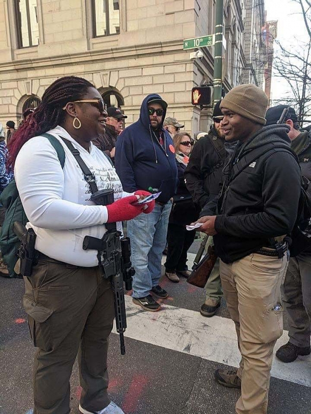 Virginia Gun Rally: armed citizens and Sheriffs against gun grabbers