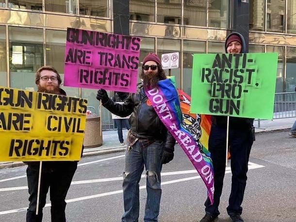 Virginia Gun Rally: cittadini armati e Forze dell'Ordine contro il disarmismo