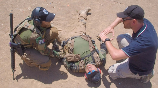 Gli allievi imparano anche a prestare soccorso ai compagni, se necessario